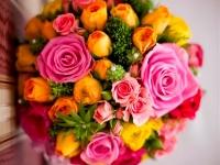 kerek_menyasszonyi_csokor_pink_narancs_nyiregyhazi-eskuvo