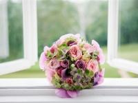 szilvasvaradi_eskuvo_kerek_kala_hortenzia_rozsa_orchidea_menyasszonyi_csokor