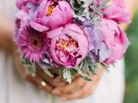 pink_vintage_menyasszonyi_csokor_peoni_tarcali_eskuvo