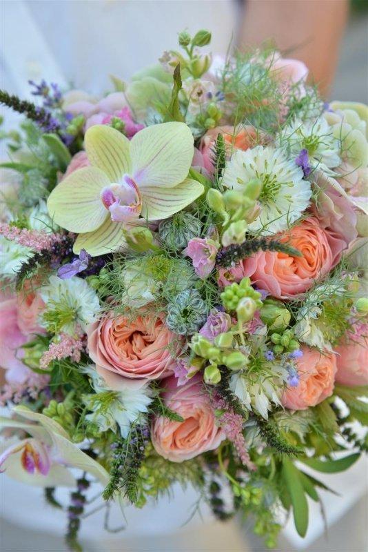 vidam_vintage_menyasszonyi_csokor_veronica_rozsa_orchidea_nigella_debreceni_eskuvo