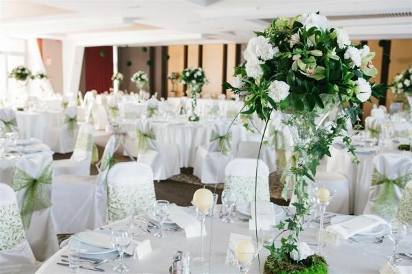 hotel_pagony_eskuvoi_dekoracio_asztaldisz