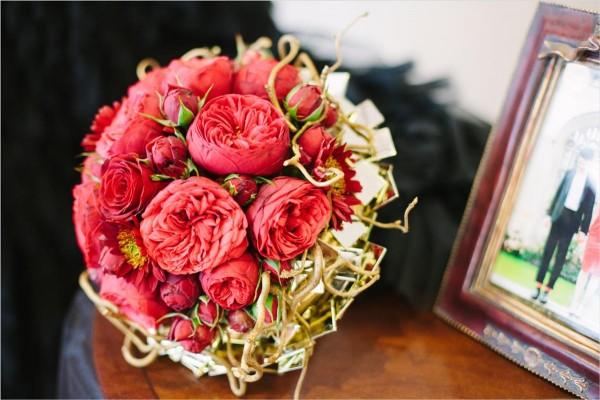 menyasszonyi_csokor_red_bordo_roses_rozsa_piano_freelander_red_bridal_